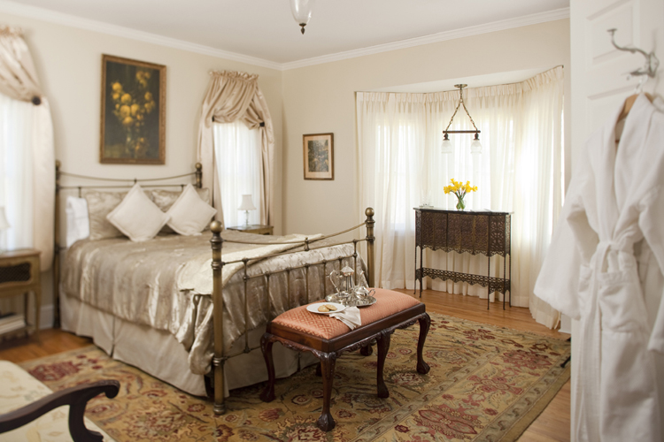 Romantic Bed And Breakfast Mountains Within  Hours